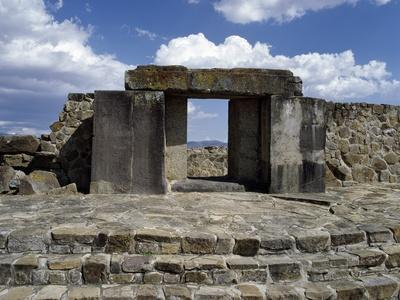 https://imgc.allpostersimages.com/img/posters/entrance-to-tomb-105-monte-alban-archaeological-site_u-L-PPYWQF0.jpg?p=0