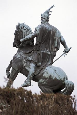https://imgc.allpostersimages.com/img/posters/equestrian-statue-of-george-castriota-scanderbeg_u-L-PP9WYI0.jpg?p=0