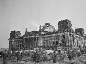 Exterior View of the Reichstag Building by Erhard Rogge