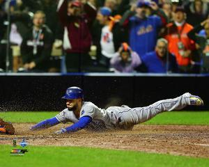 Eric Hosmer scores the game tying run Game 5 of the 2015 World Series