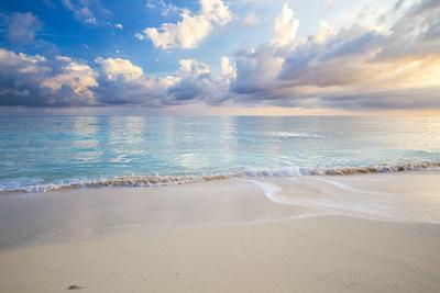 Turquoise Caribbean Waters On A White Sand Beach At Sunrise Image Taken In Eleuthera, The Bahamas