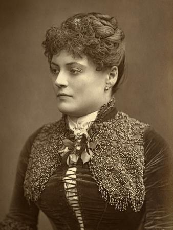 Sophie Eyre, British Actress, 1887