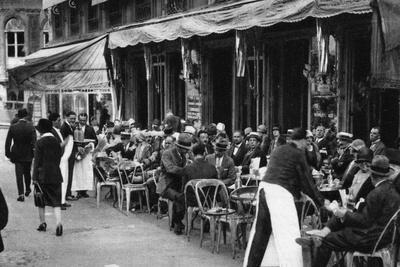 People at a Well-Known Parisian Pavement Cafe, 1931