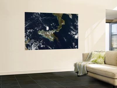 https://imgc.allpostersimages.com/img/posters/eruption-of-mt-etna-in-sicily-november-24-2006_u-L-PFHCVM0.jpg?artPerspective=n