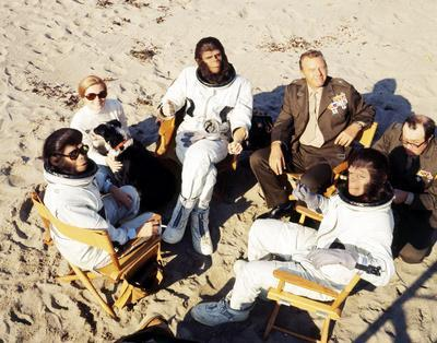 https://imgc.allpostersimages.com/img/posters/escape-from-the-planet-of-the-apes_u-L-Q10ZXKO0.jpg?artPerspective=n