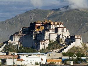 Potala Palace, Former Palace of the Dalai Lama, Unesco World Heritage Site, Lhasa, Tibet, China by Ethel Davies