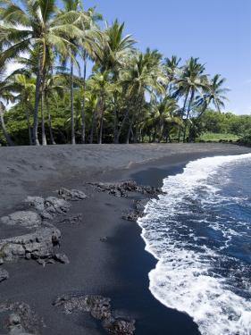 Punaluu Black Sand Beach, Island of Hawaii (Big Island), Hawaii, USA by Ethel Davies