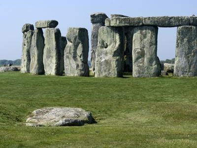 Standing Stone Circle of Stonehenge, 3000-2000BC, UNESCO World Heritage Site, Wiltshire, England by Ethel Davies