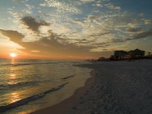 Sunset, Destin, Florida, USA by Ethel Davies