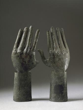 https://imgc.allpostersimages.com/img/posters/etruscan-art-two-hands_u-L-PZRSWB0.jpg?artPerspective=n