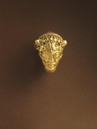 https://imgc.allpostersimages.com/img/posters/etruscan-gold-curved-earring-decorated-with-achelous-head-from-spina-italy-5th-century-b-c_u-L-POP9DX0.jpg?p=0
