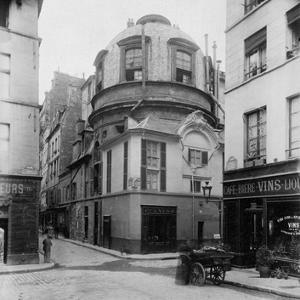 Paris, 1898 - The Old School of Medicine, rue de la Bûcherie by Eugene Atget