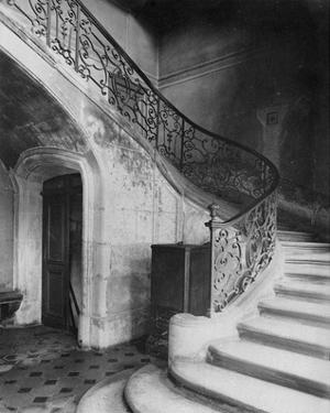 Paris, 1900 - Staircase, Hôtel de Brinvilliers, rue Charles V by Eugene Atget