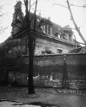 Paris, 1923 - Old Convent, avenue d l'Observatoire by Eugene Atget
