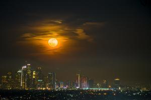 Super Blue Bloody Moon by Eunice kim