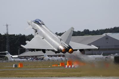 https://imgc.allpostersimages.com/img/posters/eurofighter-ef2000-typhoon-from-the-royal-air-force-at-full-afterburner-during-takeoff_u-L-PU1ZVZ0.jpg?p=0