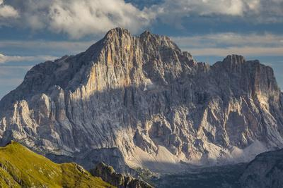 https://imgc.allpostersimages.com/img/posters/europe-italy-alps-dolomites-mountains-civetta-view-from-rifugio-nuvolau_u-L-Q1EXH3G0.jpg?artPerspective=n