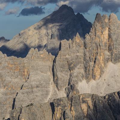 https://imgc.allpostersimages.com/img/posters/europe-italy-alps-dolomites-mountains-croda-da-lago-formin-view-from-rifugio-nuvolau_u-L-Q1EXF9U0.jpg?artPerspective=n