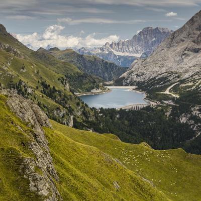 https://imgc.allpostersimages.com/img/posters/europe-italy-alps-dolomites-mountains-marmolada-fedaia-lake_u-L-Q1EXFC60.jpg?artPerspective=n