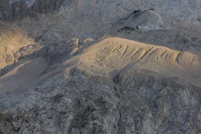 https://imgc.allpostersimages.com/img/posters/europe-italy-alps-dolomites-mountains-marmolada_u-L-Q1EXG4U0.jpg?artPerspective=n