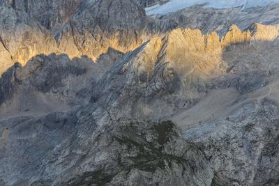 https://imgc.allpostersimages.com/img/posters/europe-italy-alps-dolomites-mountains-marmolada_u-L-Q1EXGBF0.jpg?artPerspective=n