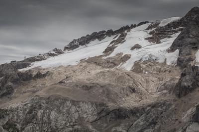 https://imgc.allpostersimages.com/img/posters/europe-italy-alps-dolomites-mountains-marmolada_u-L-Q1EXGLA0.jpg?artPerspective=n