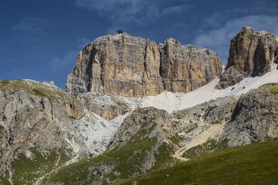 https://imgc.allpostersimages.com/img/posters/europe-italy-alps-dolomites-mountains-pordoi-pass-cable-railway-sass-pordoi_u-L-Q1EXGMK0.jpg?artPerspective=n