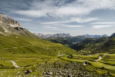 https://imgc.allpostersimages.com/img/posters/europe-italy-alps-dolomites-mountains-pordoi-pass_u-L-Q1EXJ530.jpg?artPerspective=n
