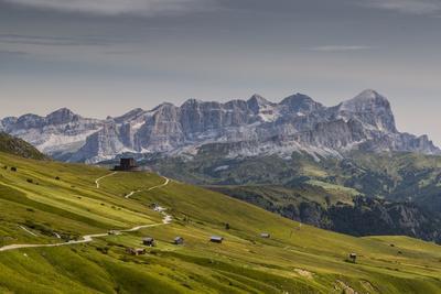https://imgc.allpostersimages.com/img/posters/europe-italy-alps-dolomites-mountains-pordoi-pass_u-L-Q1EXJ9J0.jpg?artPerspective=n