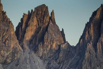 https://imgc.allpostersimages.com/img/posters/europe-italy-alps-dolomites-mountains-sassolungo-view-from-rifugio-sass-bece_u-L-Q1EXEXP0.jpg?artPerspective=n