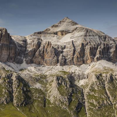 https://imgc.allpostersimages.com/img/posters/europe-italy-alps-dolomites-mountains-sella-piz-boe_u-L-Q1EXGX40.jpg?artPerspective=n