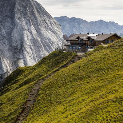 https://imgc.allpostersimages.com/img/posters/europe-italy-alps-dolomites-mountains-trento-rifugio-viel-dal-pan_u-L-Q1EXJKG0.jpg?artPerspective=n
