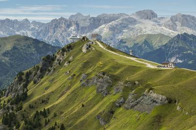 https://imgc.allpostersimages.com/img/posters/europe-italy-alps-dolomites-mountains-trento-view-from-rifugio-sass-bece_u-L-Q1EXGO40.jpg?artPerspective=n