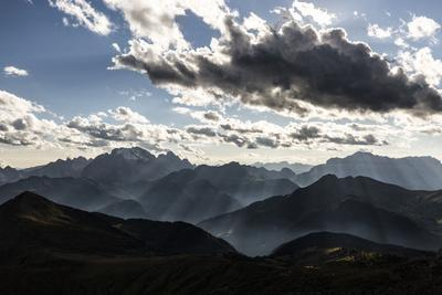 https://imgc.allpostersimages.com/img/posters/europe-italy-alps-dolomites-mountains-view-from-rifugio-nuvolau_u-L-Q1EXF2E0.jpg?artPerspective=n