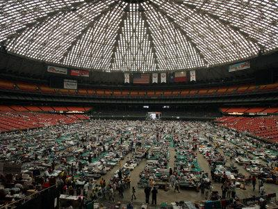 https://imgc.allpostersimages.com/img/posters/evacuees-from-new-orleans-cover-the-floor-of-houston-s-astrodome-saturday_u-L-Q10OL5X0.jpg?p=0
