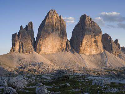 https://imgc.allpostersimages.com/img/posters/evening-at-tre-cime-di-lavaredo-sexten-dolomites-nature-reserve-italy_u-L-Q1EY35R0.jpg?artPerspective=n
