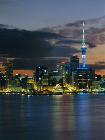 https://imgc.allpostersimages.com/img/posters/evening-view-of-city-skyline-across-harbour-auckland-central-auckland-north-island-new-zealand_u-L-P2R1V80.jpg?p=0