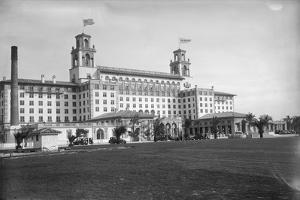 Exterior View of Breakers Hotel