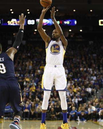 New Orleans Pelicans v Golden State Warriors by Ezra Shaw