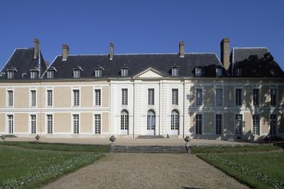 https://imgc.allpostersimages.com/img/posters/facade-of-chateau-de-brou_u-L-PPQC3T0.jpg?p=0