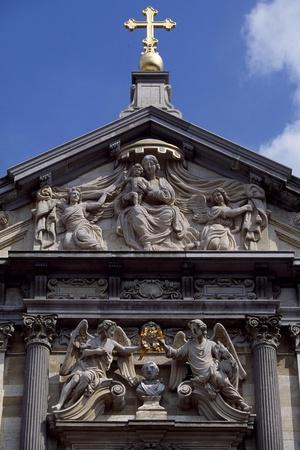 https://imgc.allpostersimages.com/img/posters/facade-of-church-of-st-charles-borromeo-1615-1625_u-L-PPSOH10.jpg?artPerspective=n