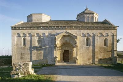 https://imgc.allpostersimages.com/img/posters/facade-of-st-leonard-church-11th-century-siponto-apulia-italy_u-L-PW2WM80.jpg?p=0