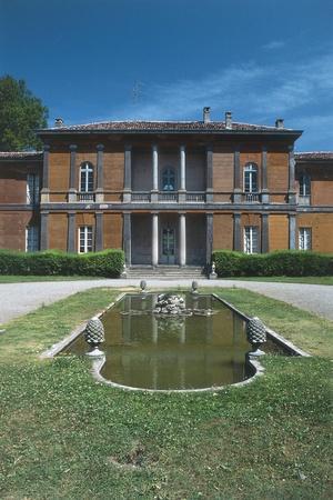 https://imgc.allpostersimages.com/img/posters/facade-of-villa-manzoni_u-L-PP9VBO0.jpg?p=0