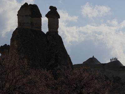 https://imgc.allpostersimages.com/img/posters/fairy-chimneys-near-pasabagi-tuff-stone-silhouettes-gshreme-cappadocia-anatolia-turkey_u-L-Q11YN6T0.jpg?p=0