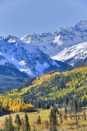 https://imgc.allpostersimages.com/img/posters/fall-colors-road-7-sneffels-range-in-the-background_u-L-PWFT7G0.jpg?p=0