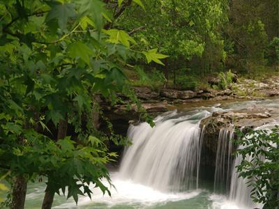 https://imgc.allpostersimages.com/img/posters/falling-waterfall-richland-creek-arkansas-usa_u-L-Q1D019L0.jpg?p=0