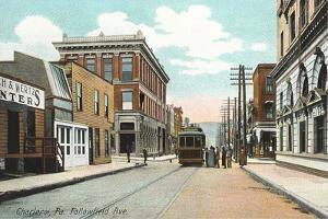 Fallowfield Avenue, Chareloi