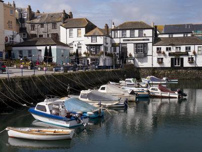 https://imgc.allpostersimages.com/img/posters/falmouth-harbour-falmouth-cornwall-england-united-kingdom_u-L-PWFC8E0.jpg?artPerspective=n