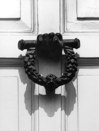 https://imgc.allpostersimages.com/img/posters/famous-door-knocker_u-L-Q107JLI0.jpg?p=0