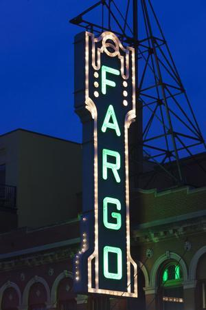 https://imgc.allpostersimages.com/img/posters/fargo-theater-sign-fargo-north-dakota-usa_u-L-PXR7H20.jpg?p=0